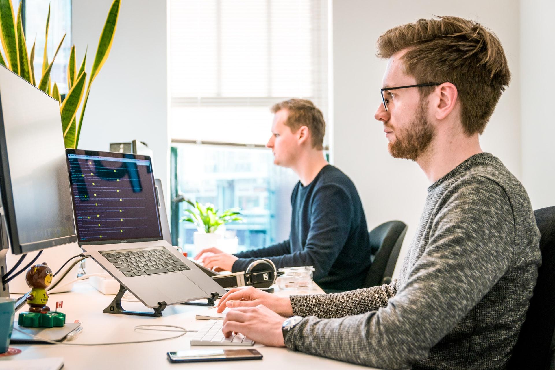 L'ús correcte dels ordinadors al lloc de treball